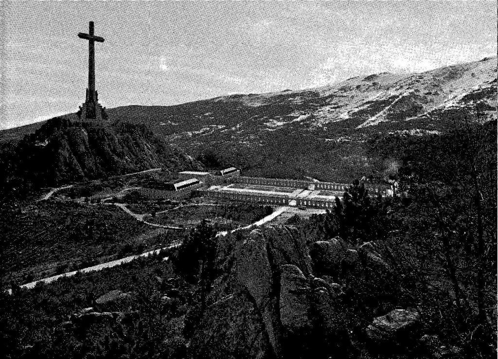 1971-3-MassAtTheValleyOfTheFallen-image1